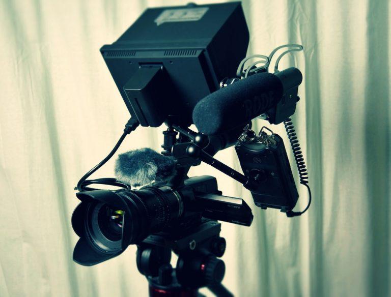 Comment avoir un meilleur son sur vos enregistrements vidéos – 5 conseils audio économiques